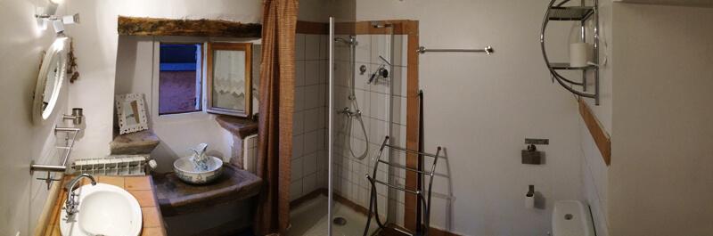 La salle de bain au premier étage