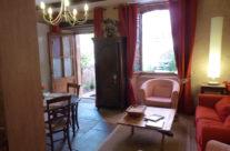 Salon, salle à manger, porte de la terrasse
