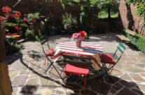 La table ronde de la terrasse